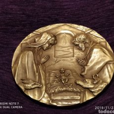 Antigüedades: INIGUALABLE METOPA NATAL EN RELIEVE, BRONCE PULIDO, ÚNICA, VER, AÑO 2000. Lote 184226316