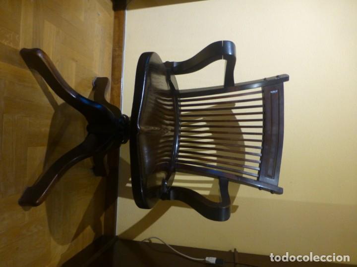 Antigüedades: sillón de despacho de madera. modelo americano - Foto 3 - 184279423