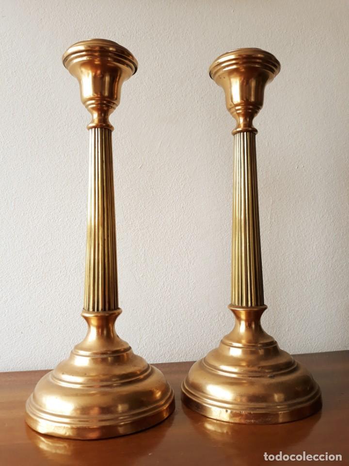 PAREJA DE CANDELABROS FRANCESES. SIGLO XIX (Antigüedades - Iluminación - Candelabros Antiguos)