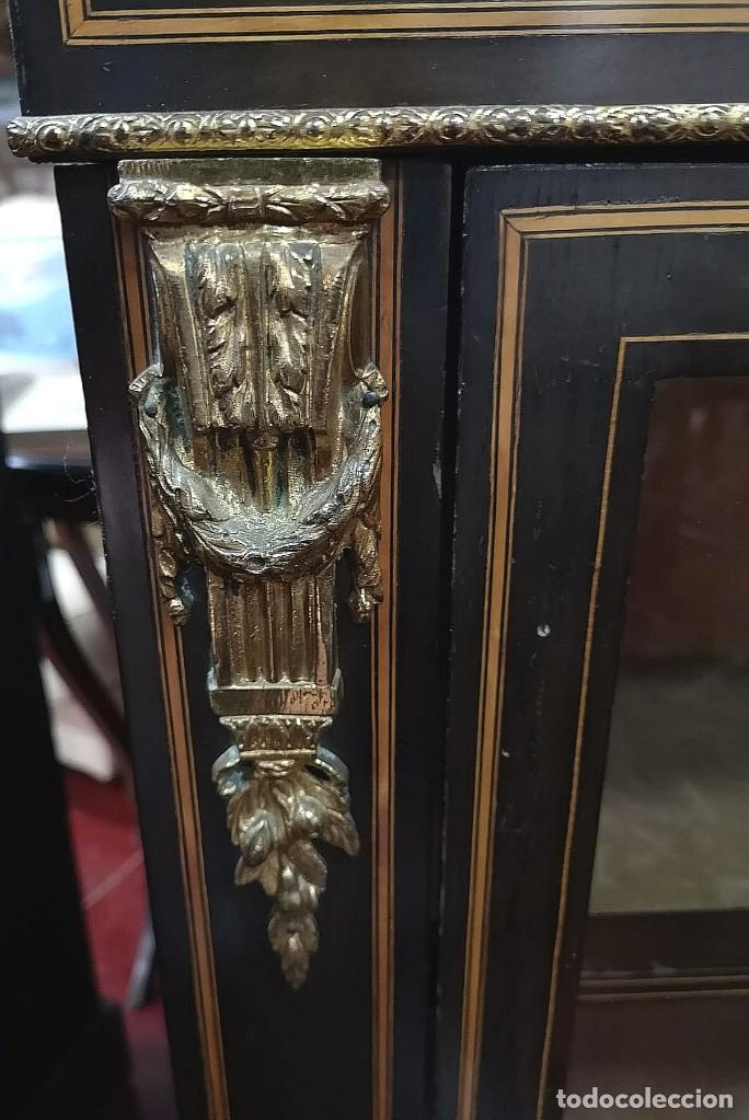 Antigüedades: MUEBLE VITRINA FRANCESA CON PORCELANA - Foto 4 - 184335412