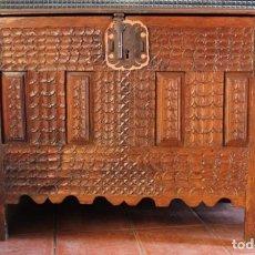 Antigüedades: ANTIGUO BAÚL SIGLO XVI. Lote 184349898