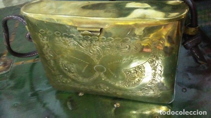 Antigüedades: ANTIGUO BOLSO DE BRONCE O LATÓN GRABADO - Foto 6 - 184370873