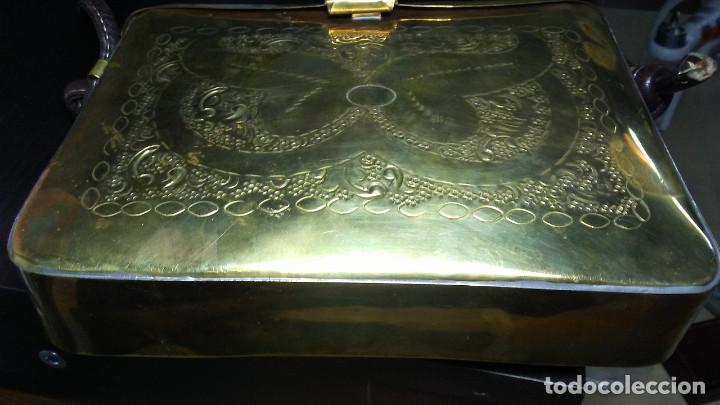 Antigüedades: ANTIGUO BOLSO DE BRONCE O LATÓN GRABADO - Foto 16 - 184370873