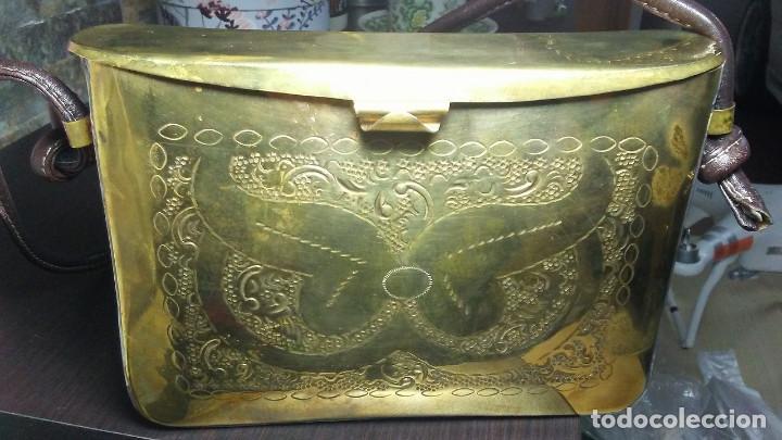 Antigüedades: ANTIGUO BOLSO DE BRONCE O LATÓN GRABADO - Foto 17 - 184370873