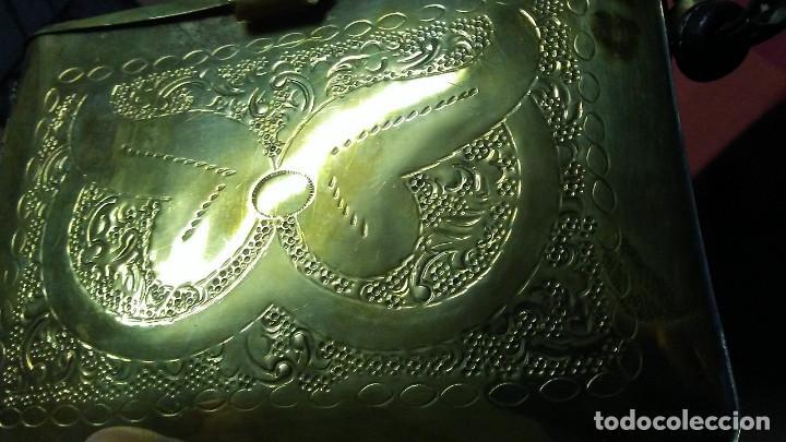 Antigüedades: ANTIGUO BOLSO DE BRONCE O LATÓN GRABADO - Foto 21 - 184370873