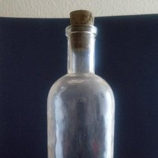 Antigüedades: BOTELLA DE CRISTAL FARMACIA - 20 X 6 X 3 CMS. Lote 184442422