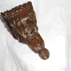 Antigüedades: ANTIGUA MENSULA TALLADA EN MADERA DE NOGAL.. Lote 184447108