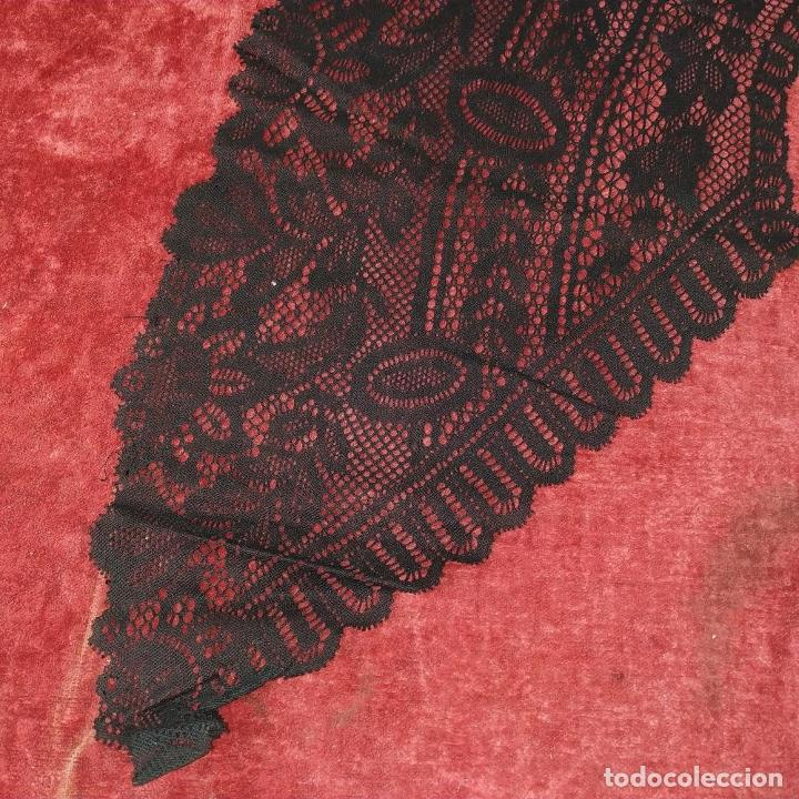 Antigüedades: GRAN CUELLO PARA TRAJE DE DAMA. ENCAJE. ALGODÓN NEGRO. ESPAÑA. FIN SIGLO XIX - Foto 6 - 184447595