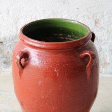 Antigüedades: ORZA DE BARRO DE CUATRO ASAS - TINAJA - CÁNTARO - ESMALTE VERDE - REPINTADA. Lote 184509405
