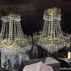 Antiquités: ANTIGUAS 2 LÁMPARA / LÁMPARAS DE TECHO DE LATÓN CON LAGRIMAS DE CRISTAL DE LOS AÑOS 50-60. Lote 184582615