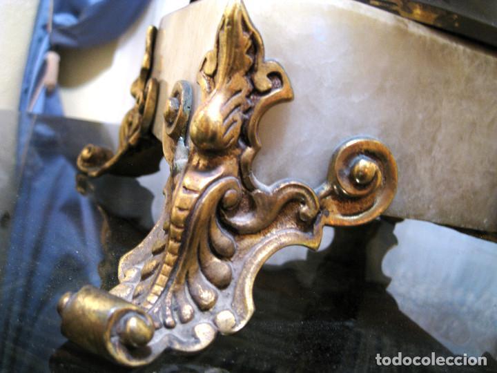 Antigüedades: JARRÓN MACETERO FLORERO CERÁMICA ESMALTADA, LATÓN Y BASE DE MARMOL. - Foto 4 - 184587741