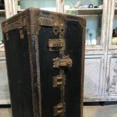 Antigüedades: ANTIGUO BAÚL DE VIAJE MUNDO. Lote 184639140