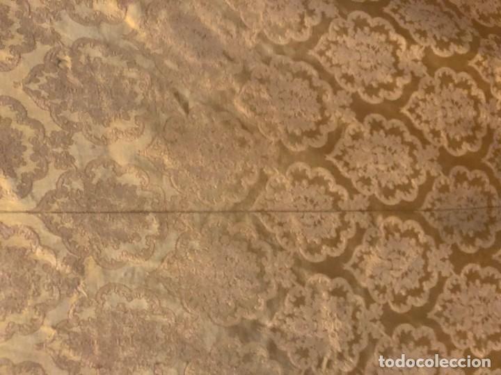Antigüedades: 2 telas para liturgia procedente de casullas o capas - Foto 2 - 184641195
