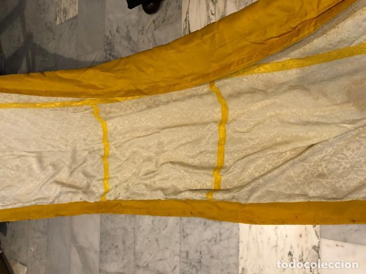 Antigüedades: 2 telas para liturgia procedente de casullas o capas - Foto 7 - 184641195