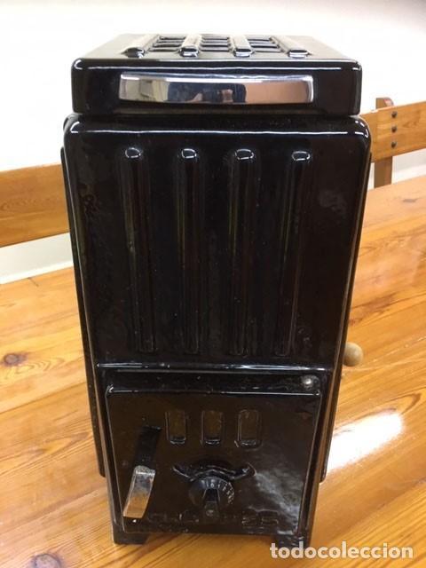 Antigüedades: Estufa esmaltada negra con manual de instrucciones - Foto 2 - 184835602