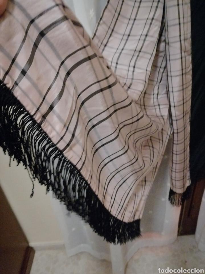 Antigüedades: Antiguo chal de noche en crespon de seda reversible - Foto 3 - 184856267