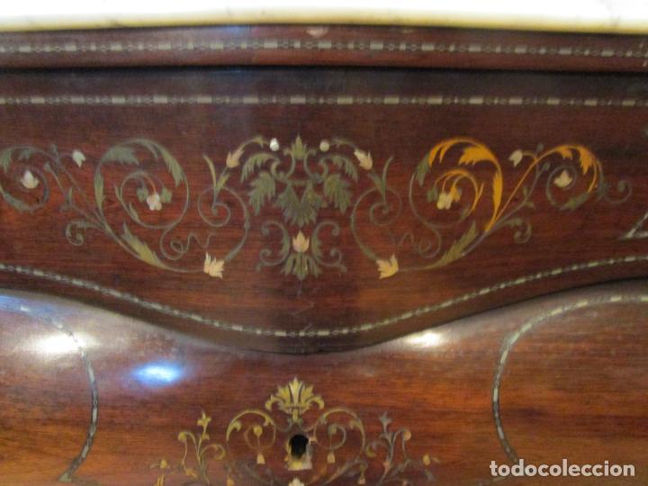 Antigüedades: Cómoda Isabelina Bombeada - Madera Jacarandá - Marquetería en Latón - Mármol Carrara - S. XIX - Foto 16 - 184899962