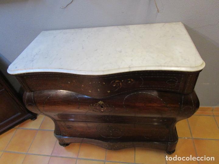 Antigüedades: Cómoda Isabelina Bombeada - Madera Jacarandá - Marquetería en Latón - Mármol Carrara - S. XIX - Foto 26 - 184899962