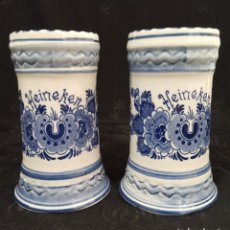 Oggetti Antichi: 2 JARRAS DE CERVEZA EN PORCELANA HOLANDESA DELFTS BLUE PINTADAS A MANO PARA HEINEKEN.. Lote 184901677