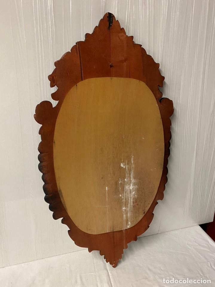 Antigüedades: Antiguo espejo isabelino de madera de caoba lacado en negro. Siglo XIX. 105x57 - Foto 5 - 183622528