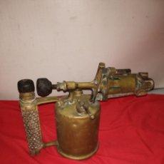 Antigüedades: ESPECTACULAR LAMPARILLA DE SOLDADOR DE GASOLINA BRONCE SIGLO XIX. Lote 184931675