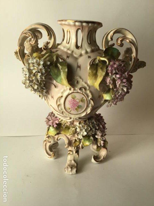 Antigüedades: ANTIGUO JARRON DE PORCELANA , CON 2 ANGELES Y FLORES DE JAZMIN , SIGLO XIX - Foto 6 - 185100991