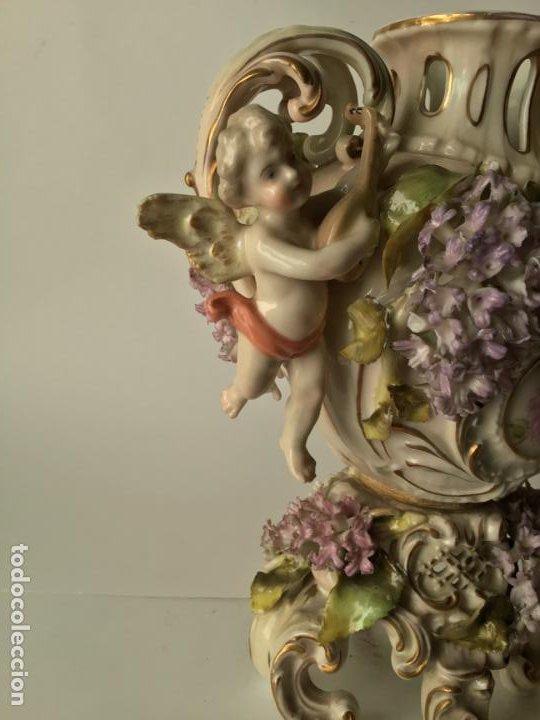 Antigüedades: ANTIGUO JARRON DE PORCELANA , CON 2 ANGELES Y FLORES DE JAZMIN , SIGLO XIX - Foto 11 - 185100991
