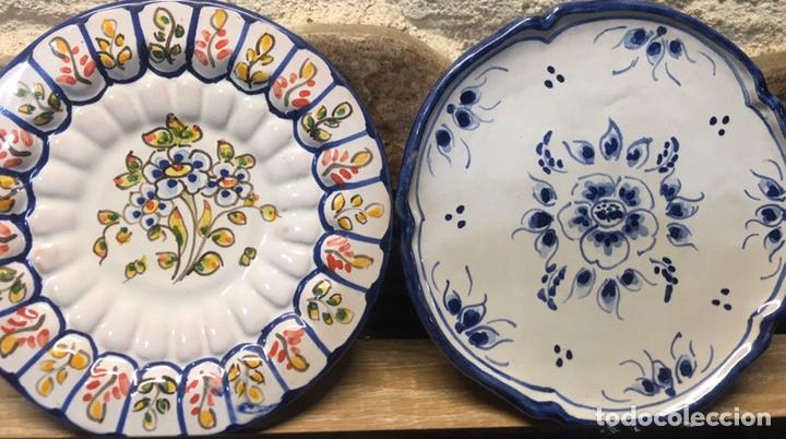 PAREJA DE PLATOS (Antigüedades - Porcelanas y Cerámicas - Talavera)