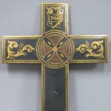 Antigüedades: PRECIOSA CRUZ PARA CRISTO. MADERA ESTOFADA EN PAN DE ORO. Lote 185667161