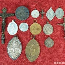 Antigüedades: COLECCIÓN DE 15 MEDALLAS RELIGIOSAS. PLATA Y METAL. SIGLO XIX-XX. . Lote 185672592