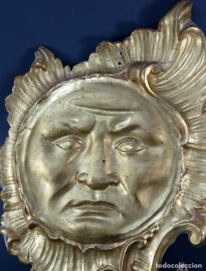 Antigüedades: Aplique pieza de retablo barroco forma de sol en madera tallada y dorada siglo XVIII - Foto 3 - 185690376