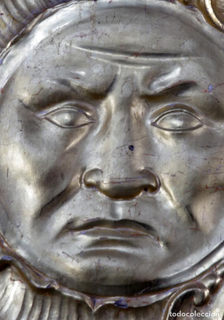 Antigüedades: Aplique pieza de retablo barroco forma de sol en madera tallada y dorada siglo XVIII - Foto 4 - 185690376