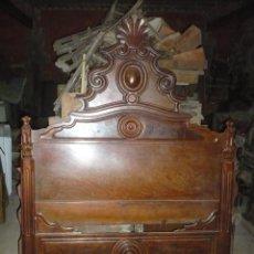 Antigüedades: CAMA ISABELINA DE CAOBA DE LA DITADA, COMPLETA 135 CM DE ANCHO, 190 DE LARGO, MUY BUEN ESTADO. Lote 185691443