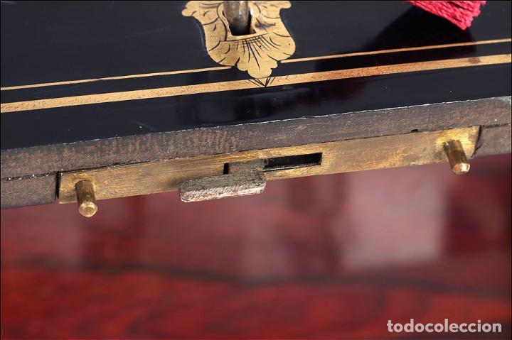 Antigüedades: Antigua Licorera Francesa. Cristalería Baccarat. Napoleón III. Francia, Circa 1870 - Foto 15 - 185699283
