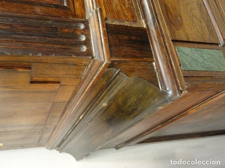 Antigüedades: Mueble inglés estilo Jorge III, S.XIX en madera de palosanto y roble en el interior - Foto 16 - 185701417