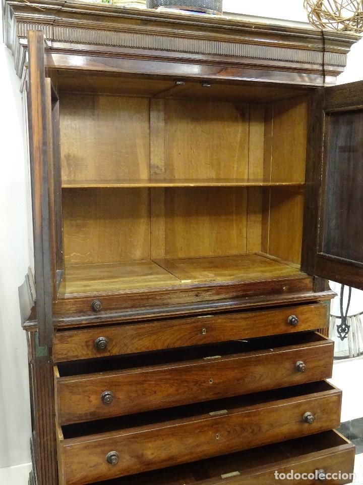 Antigüedades: Mueble inglés estilo Jorge III, S.XIX en madera de palosanto y roble en el interior - Foto 36 - 185701417
