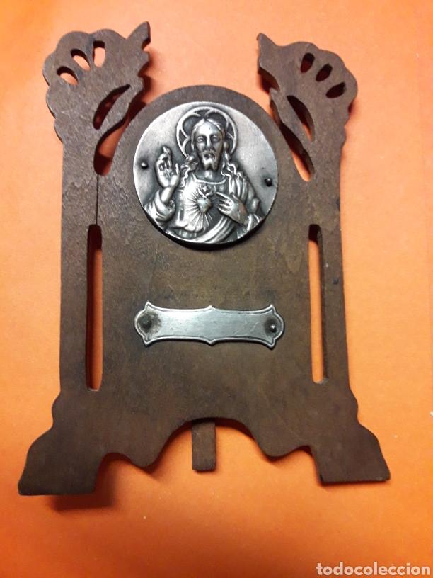 Antigüedades: Bonito y Pequeño porta paz antiguo de plata y madera hacia 1920 - Foto 4 - 185718180