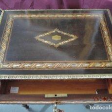 Antigüedades: MESA COSTURERO NAPOLEON III INCRUSTACIONES NACAR. Lote 185775017