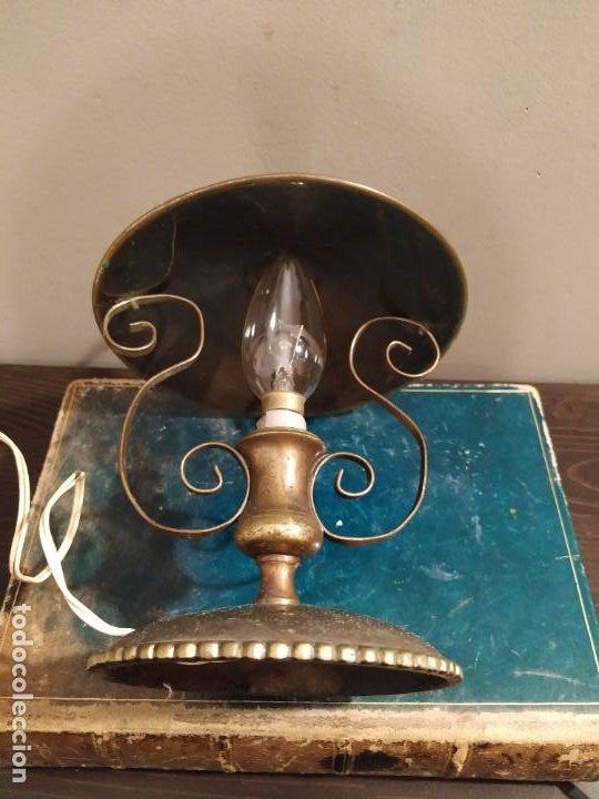 Antigüedades: ANTIGUA LAMPARA SOBREMESA METAL DORADO - Foto 3 - 185777465