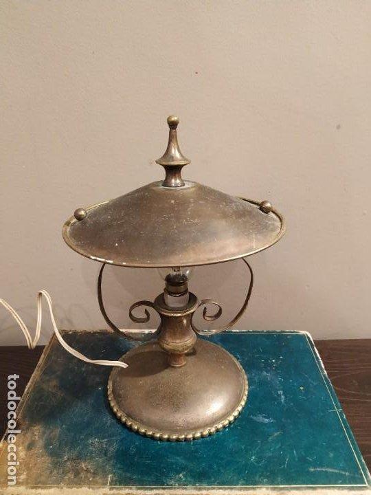 Antigüedades: ANTIGUA LAMPARA SOBREMESA METAL DORADO - Foto 5 - 185777465