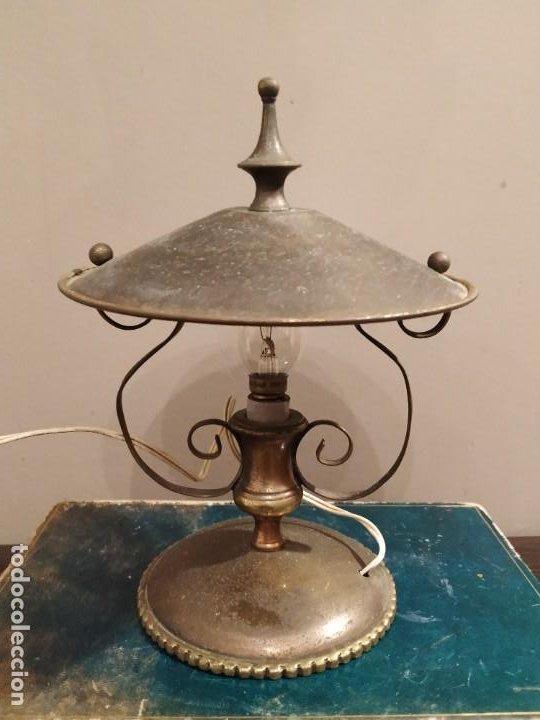 Antigüedades: ANTIGUA LAMPARA SOBREMESA METAL DORADO - Foto 7 - 185777465
