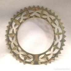 Antigüedades: CORONA PARA VIRGEN O SANTO DE BRONCE. MED. 10 CM DIAMETRO. Lote 205462056