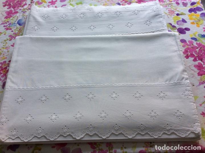 Antigüedades: 2 juegos de sábanas con tira bordada años 70. Impecables - Foto 3 - 185930241