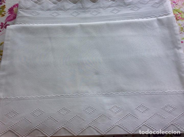 Antigüedades: 2 juegos de sábanas con tira bordada años 70. Impecables - Foto 7 - 185930241