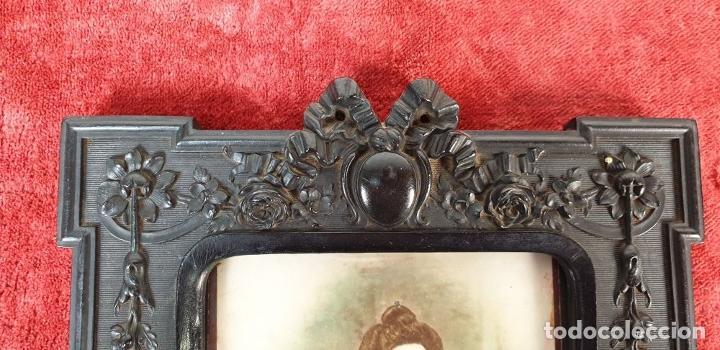 Antigüedades: MARCO PARA FOTOGRAFÍA. RESINA TALLADA. SIGLO XIX-XX. - Foto 5 - 185961220