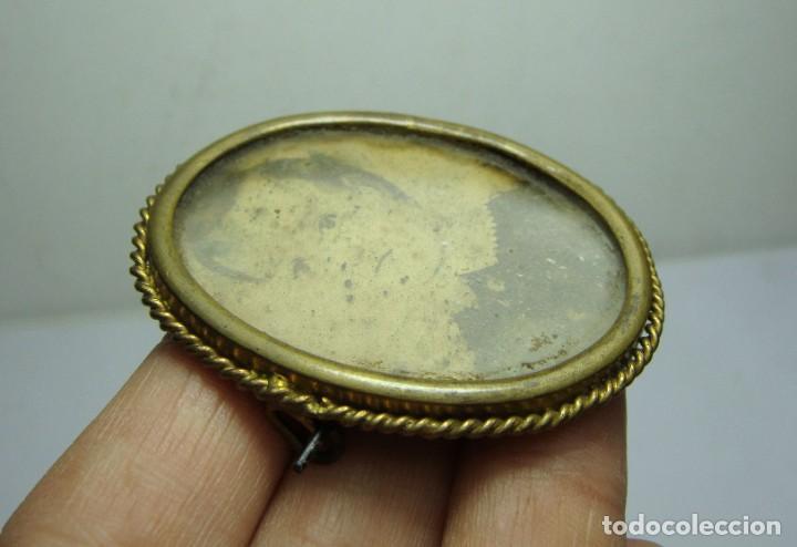 Antigüedades: Antiguo Portafotos, Camafeo o Broche. Con Alfiler. Fotografía de Época. - Foto 3 - 185967963