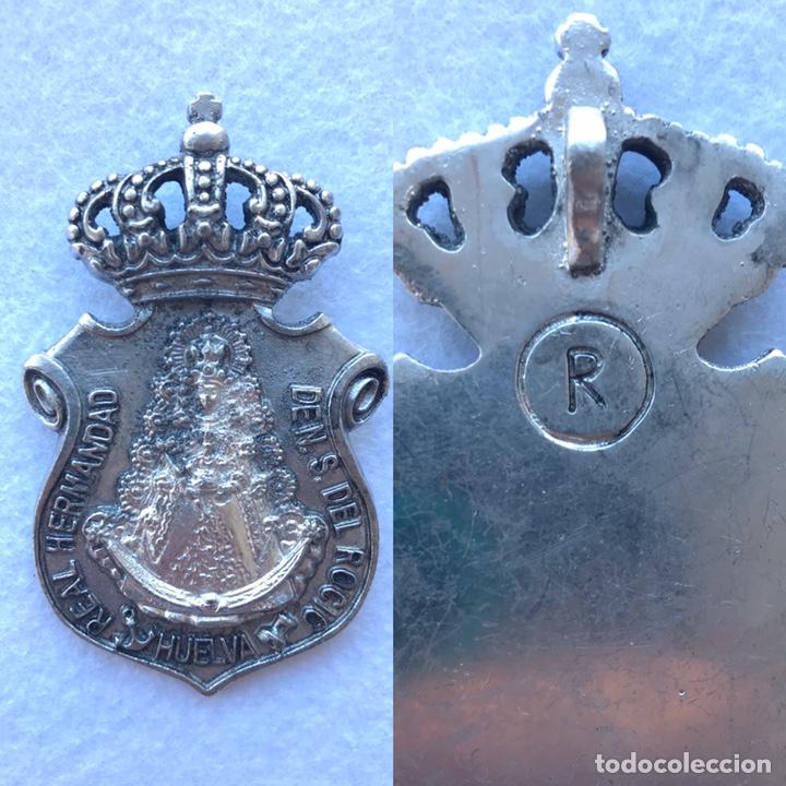 RARA MEDALLA HERMANDAD DEL ROCÍO DE HUELVA. VIRGEN DEL ROCÍO. (Antigüedades - Religiosas - Medallas Antiguas)