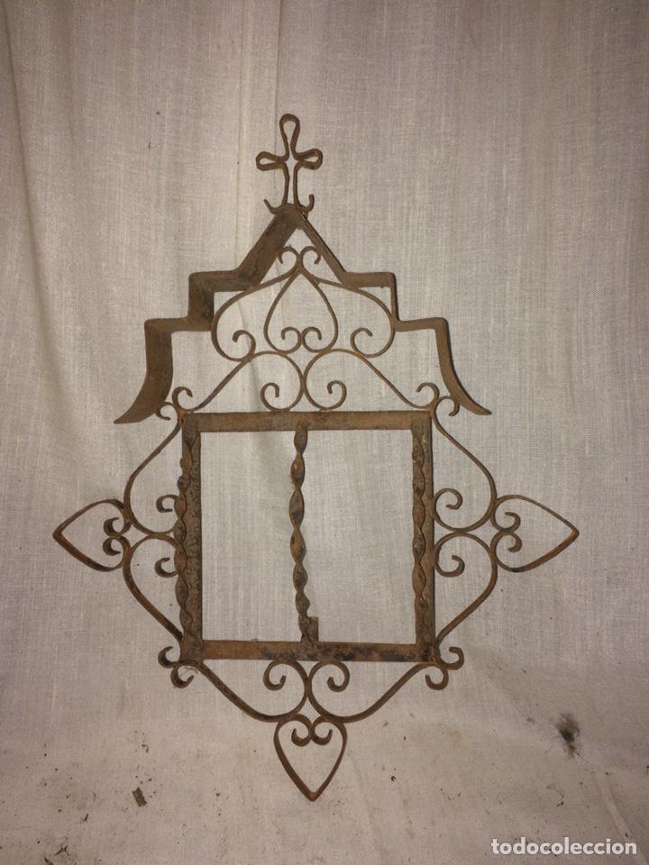 ANTIGUO Y PRECIOSO MARCO DE IGLESIA! (Antigüedades - Religiosas - Cruces Antiguas)