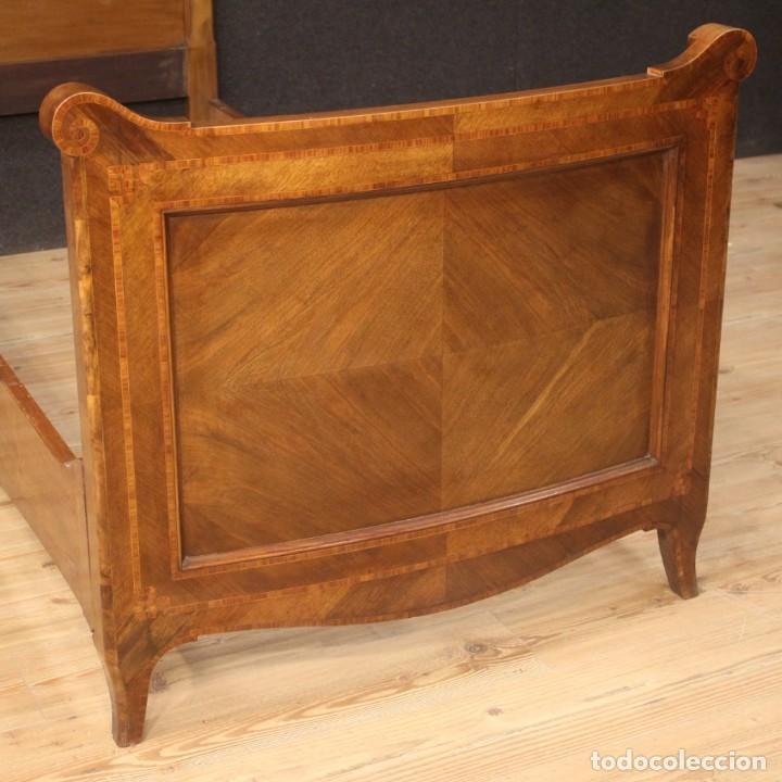 Antigüedades: Cama individual italiana en estilo Luis XV en madera con incrustaciones - Foto 3 - 186048207