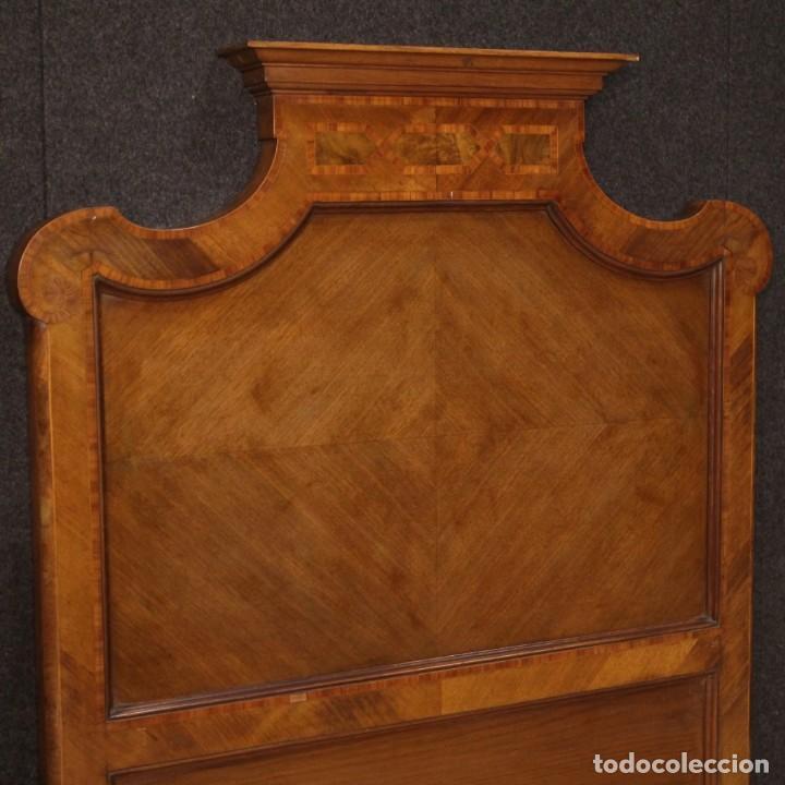 Antigüedades: Cama individual italiana en estilo Luis XV en madera con incrustaciones - Foto 7 - 186048207